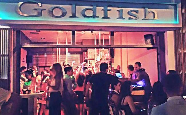 Goldfish Cafe - Bar
